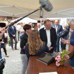 Ministerpräsident Stephan Weil zu Gast beim Sozio-Med-Mobil